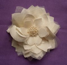 DIY flowers to make as pins, hair accessories, etc. Lovely!
