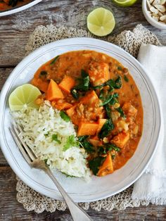 Pin on Døgurðin Nom Nom, Curry, Food And Drink, Vegan, Vegetables, Ethnic Recipes, Drinks, Meal, Drinking