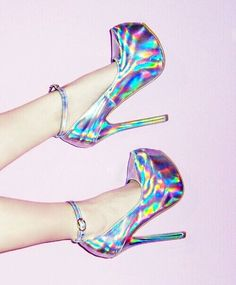 DIY with holographic vinyl and old heels