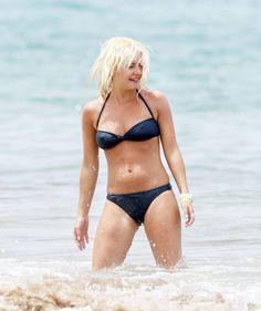 The Hottest Elisha Cuthbert Bikini Pictures