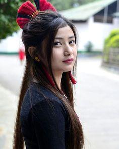 Beauty Around The World, Travel Clothes Women, Ethnic Dress, Tribal Fashion, Beauty Full Girl, Traditional Dresses, Women Tribe, Fashion Beauty, Beauty Hacks