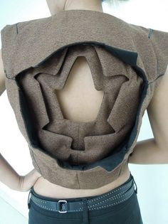 NOT by Shingo Sato or TR cutting, but a fantastic method in the same direction. Origami Fashion, 3d Fashion, Quirky Fashion, Fashion Story, Fashion Details, Couture Fashion, Fashion Design, Pattern Cutting, Pattern Making