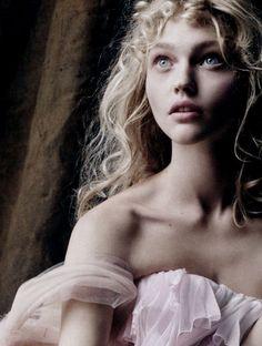 """nikouture: """" sasha pivovarova photographed by mario testino for vogue uk, dec 2007. """""""