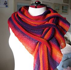 Free pattern caterpillar scarf