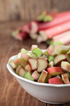 Have extra rhubarb? Make this all-purpose rhubarb purée recipe. Rhubarb Desserts, Rhubarb Recipes, Just Desserts, Dessert Recipes, Rhubarb Ideas, Low Sugar Recipes, New Recipes, Favorite Recipes, Recipies