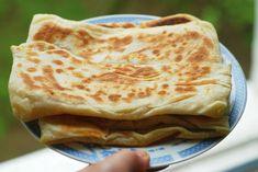 Самые популярные турецкие лепешки -  настоящая уличная еда.  Хороши своей универсальностью.- начинк...