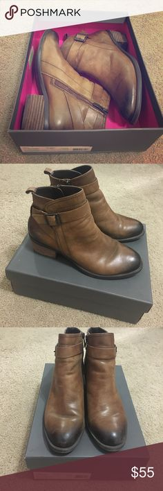 Vince Camuto brown leather ankle booties Lightly worn brown ankle booties size 7.5 with box... still has new leather smell Vince Camuto Shoes Ankle Boots & Booties