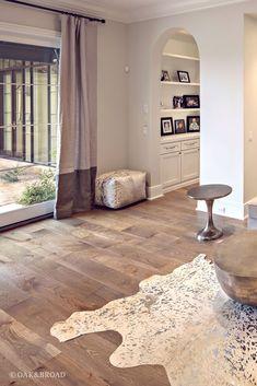 Live Sawn Wide Plank White Oak Flooring In Silverleaf In