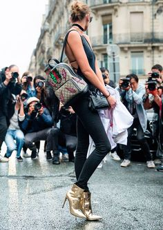 Strike a pose - Stella Maxwell - Paris Fall 2016 Haute Couture Fashion Week Street Style - July 2016