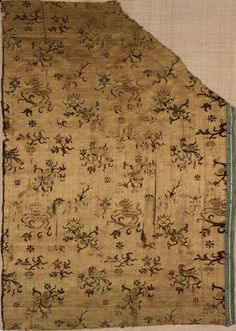 RISD Museum: Unknown artist, Italian. Textile fragment, Late 16th century. Silk. Length: 40.6 cm (16 inches). Gift of Mrs. Gustav Radeke 06.132