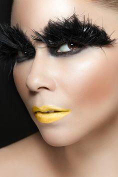 Bird, makeup