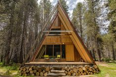 Explore Yosemite National Park in comfort and style in this cozy A-frame cabin! With two bedrooms, the home can comfortably sleep up to f...