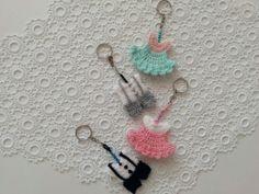 Video: Tunus işi burgu patik yapımı 10marifet.org'da! Doll Sewing Patterns, Baby Knitting Patterns, Pom Pom Animals, Felt Dolls, Doll Clothes, Crochet Earrings, Shabby Chic, Crafts, Basic Crochet Stitches