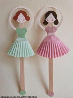 Care creative, oggi vi mostro delle semplicissime ballerine realizzate con palette di legno, (quelle per girare il caffè) carta e pirottini. Credo che tante femminucce sarebbero felici di farle danzar