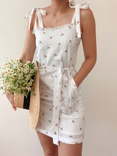 Casual Summer Dresses, Cute Casual Outfits, Pretty Outfits, Pretty Dresses, Cute Floral Dresses, Floral Outfits, Dress Casual, Ensembles Outfit, Dress Outfits