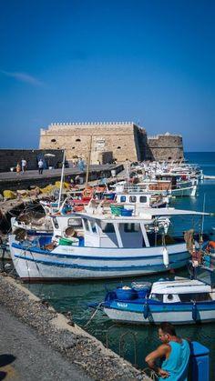 How to Spend One Day in Beautiful Heraklion, Greece | solocosebelleblog #travel #Crete #photography #Knossos #castle #sea #Iraklion