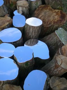 sculpture installation Lee Borthwick Mirror Installations and Sculptural Works in Wood. A couleur variable bien sr ! Land Art, Art Environnemental, Modern Art, Contemporary Art, Art Et Nature, Art Public, Instalation Art, 3d Studio, Art Sculpture