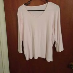 Top Pale pink soft lightweight knit. Picture doesn't show the right color. It is pale pink but not as pale as this picture shows it. Comfortable and atttractive. I always wore it with an antique crystal necklace, even with jeans. As for wear, it appears new. No tags but I label it a large to extra large. Tops