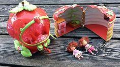 2002 2003 Bandai STRAWBERRY SHORTCAKE 2.5 Doll Cute Rides Car Berry Basket House Barbie Sets, Berry Baskets, Strawberry Shortcake, Berries, Dolls, Car, Desserts, House, Food