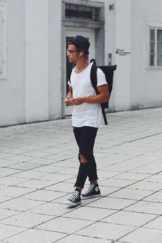 Kevin Elezaj - Converse Shoes, Zara Jeans, H&M T Shirt, Lost Apparel Bag, Asos Glasses, Hut Styler Hat - Artist
