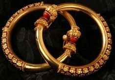 We present to you the Beautiful, Exquisite Bengal Bangles. Add a rich traditional antique and gold jewellery piece to your collection or just be inspired. Gold Bangles Design, Gold Jewellery Design, Gold Jewelry, Jewelry Necklaces, Bracelets, Jewellery Rings, Designer Jewellery, Fashion Jewellery, Jewellery Making