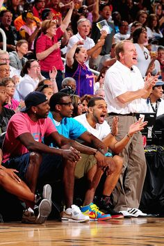 Jason Richardson, Amar'e Stoudemire and Jared Dudley take in the Phoenix Mercury