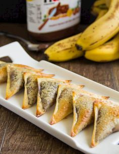 Banana Nutella wontons are easy and delicious treats. Caramelized banana slice covered with Nutella and wrapped in crunchy wonton wraps. Wonton Recipes, Gourmet Recipes, Sweet Recipes, Dessert Recipes, Cooking Recipes, Dessert Food, Pastry Recipes, Mini Desserts, Vegan Recipes