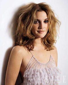 My Hairstyle, Messy Hairstyles, Drew Barrymore Haare, Drew Barrymore Makeup, Divas, Bed Hair, Elle Magazine, Girl Crushes, Beautiful People