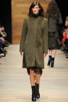 Guy Laroche Fall 2014 Ready-to-Wear - Collection - Gallery - Style.com