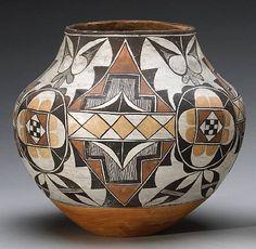 suchasensualdestroyer:    Acoma Pueblo (New Mexico), Olla, pigment/ceramic, c. 19th c.