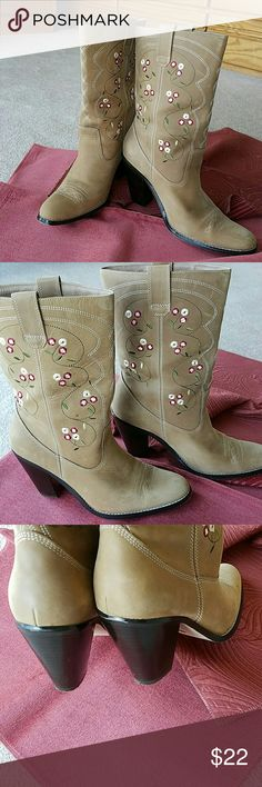Suede leather boots Nice in good condition boots with sweet embroidery design. 31/2 inch heel. Comfortable. Shoes Heeled Boots