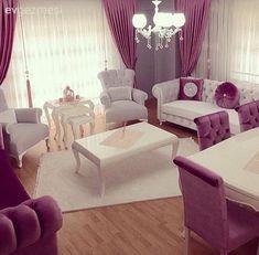 Derya hanımın klasik stile, sıcak renk paletiyle zarif bir hava kattığı evinde, mobilyalardaki pembe ve beyaz uyumu pembeyi dengelemede en başarılı renklerden olan gri duvarlar ile tamamlanmış. Mob... Home Design Living Room, Room Decor, Luxury Furniture, Bedroom Decor, Apartment Decor, Modern Furniture Living Room, Living Room Grey, Living Room Designs, Living Room Decor Cozy