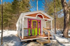 The Apple Blossom Cottage offers a colorful escape in the picturesque woods of Vermont.
