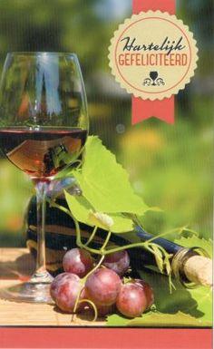 Felicitatiekaart met glas rode wijn