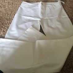 Forever 21 long white dress pants Never worn with tags!!! Forever 21 Pants Straight Leg