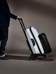 Der Bugaboo Boxer ist kein Koffer. Es ist ein revolutionäres Gepäcksystem für das Reisen von heute. Erleben Sie die volle Dynamik auf Bugaboo.com.