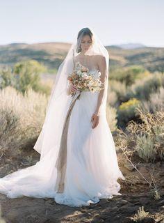 Organic & feminine desert bridal inspiration in a muted palette via Magnolia Rouge