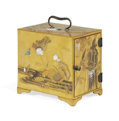 Japanese Beauty, Japanese Art, Japanese Furniture, Small Cabinet, Chinese Painting, Wisteria, Decoration, 19th Century, Decorative Boxes