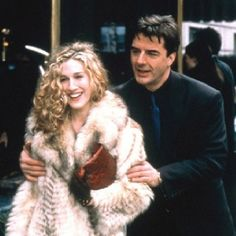carrie bradshaw and mr big. Sansa Stark, Rachel Green, Carrie And Mr Big, Estilo Carrie Bradshaw, Chris Noth, Samantha Jones, Zara Fashion, Big Fashion, Sarah Jessica Parker