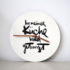 Uhren - In meiner Küche wird getanzt - Wanduhr von Formart - ein Designerstück von Formart-Zeit-fuer-schoenes bei DaWanda