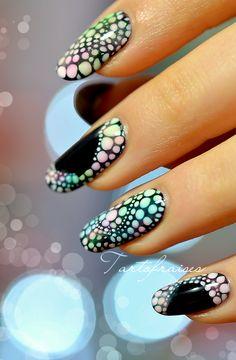 dégradé point halftone nail art