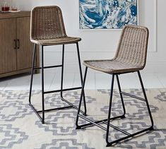 Add stylish bar seating to your home with bar stools and counter stools from Pottery Barn. Our stools comes in various heights, ensuring you always find the perfect fit. Living Room Kitchen, New Kitchen, Kitchen Decor, Kitchen Ideas, Kitchen Furniture, Kitchen Stools, Kitchen Designs, Kitchen Updates, Decorating Kitchen