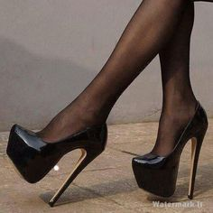 Wow these platform patent stiletto shoes are just fab. Love the syle and how high the stiletto heels are..!