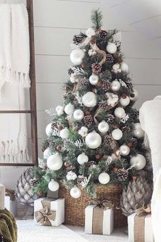 Cheap and easy christmas decorations for your apartment ideas (51)