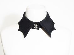 337 - Batwing and Vines Detachable Collar by Antique Beast Lolita Fashion, Gothic Fashion, Asian Fashion, Cute Fashion, Fashion Outfits, Character Outfits, Gothic Lolita, Alternative Fashion, Aesthetic Clothes
