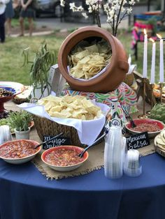 Ideas for a mexican birthday dinner fiesta rehearsal dinner party ideas pho Mexican Birthday Parties, Mexican Fiesta Party, Fiesta Theme Party, Taco Party, Party Themes, Party Ideas, Mexican Dinner Party, Mexican Fiesta Decorations, Party Snacks