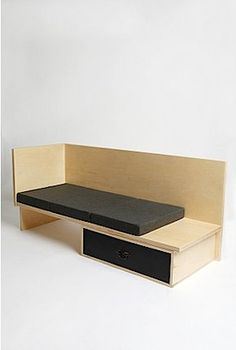 Donal Judd : Day-Bed