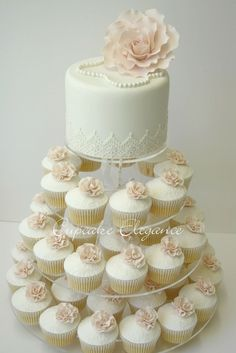 Cupcakes are fun! But, this is great idea because you still have a wedding cake for your 1 year anniversary. #laceweddingcakes