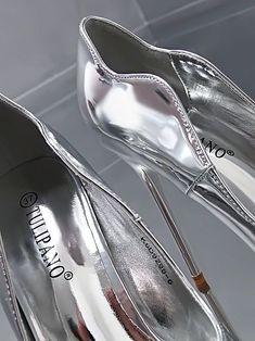 NEW LACK HIGH Silver Stiletto Elegant Pumps Ladies O44 Shoes High Heels 36 38  #elegant #heels #ladies #pumps #shoes #silver #stiletto Stilettos, Clean Shoes, Ladies Pumps, Elegant, Lady, Vip, Silver, Cleaning, Collection