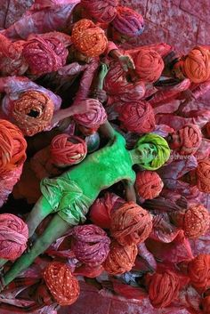 Holi Festival, India | Steve McCurry…  Holi Festival, India | Steve McCurry  http://www.bestplacestotravel.us/2017/06/01/holi-festival-india-steve-mccurry/